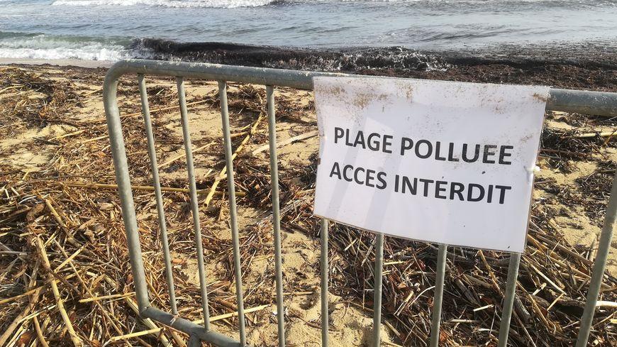 L'accès aux plages polluées est interdit dans le Var