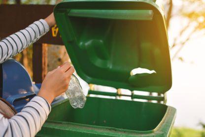 Plus vous produisez de poubelles, plus vous payez : le tri va devenir de plus en plus sélectif