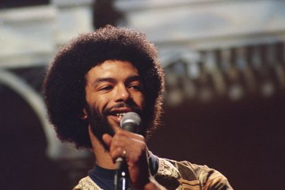 Gil Scott-Heron dans l'émission 'Saturday Night Live', en décembre 1975