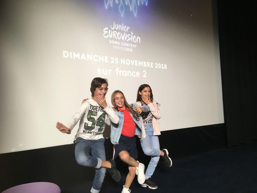 Angelina entourée d'Albane et Léo, les deux jeunes danseurs qui vont l'accompagner sur scène