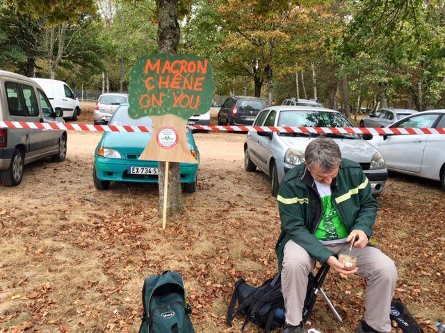 Les employés de l'ONF dénoncent une privatisation des forêts engagée par leur direction.