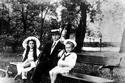 Jeunes héritiers bourgeois, voués à vivre sur l'héritage familial et à faire fructifier la rente de leurs parents.