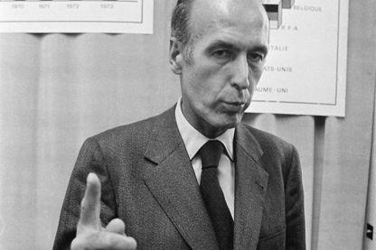 Conférence de presse de Valéry Giscard d'Estaing au ministère des finances à Paris en 1973