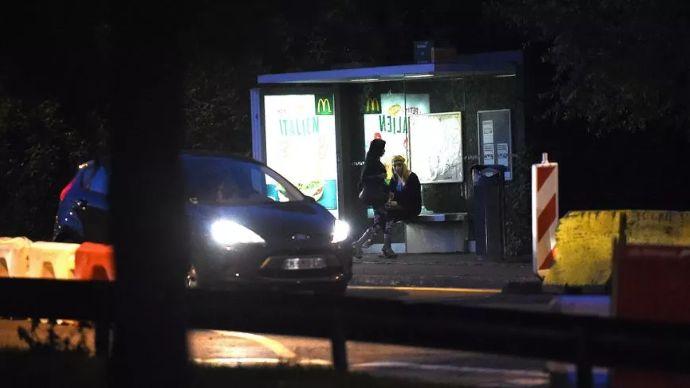 Encore entre 50 et 100 jeunes femmes nigérianes se prostituent dans les rues de Poitiers.