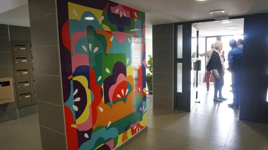 Des fleurs et des caméras de vidéosurveillance dans les immeubles de l'Aubrière à Saint Pierre-des-Corps