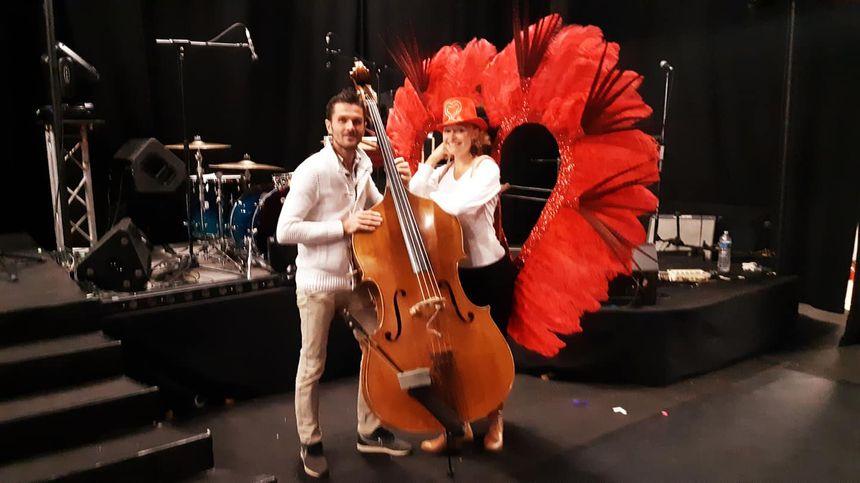 Benoît et Cindy Piquet vous accueillent au cabaret Le Live à Azé.