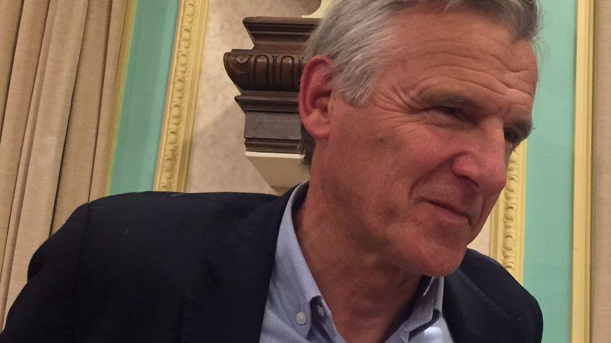Dominique Dord annonce qu'il démissionne de son poste de maire d'Aix-les-Bains
