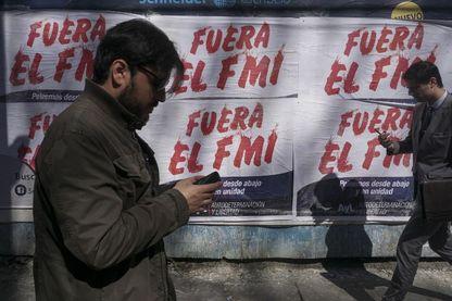 Argentine appelle le FMI à l'aide.  De nouvelles mesures d'austérités sont annoncées par le président Argentin Mauricio Macri.