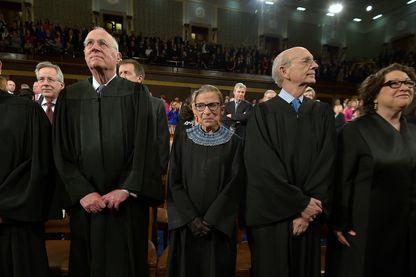 """Ruth Bader Ginsburg, juge à la Cour suprême des États-Unis entourée de ses pairs - Extrait du film documentaire """"RBG"""", en salle le 10 octobre 2018"""