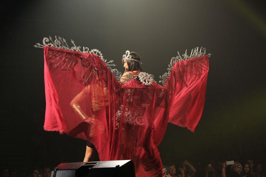 Le spectacle était articulé cette année autour du mythe franc-comtois de la Vouivre, incarnée par la miss Franche-Comté 2017 Mathilde Klinguer