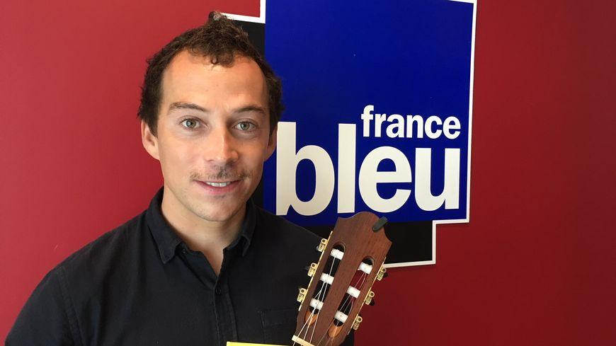 Le guitariste Thibault Cauvin