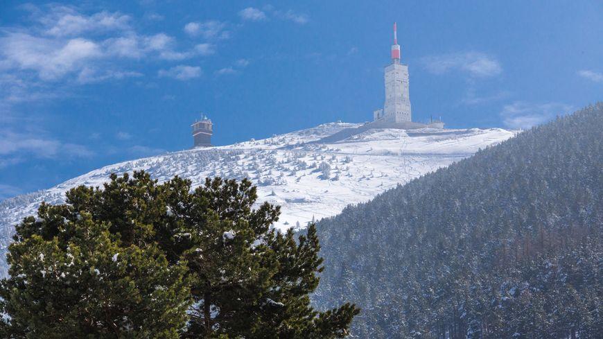 Le Mont Ventoux enneigé