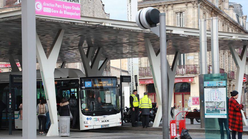 L'agression a eu lieu au terminus du bus 10 sur le parvis de la gare St Jean à Bordeaux