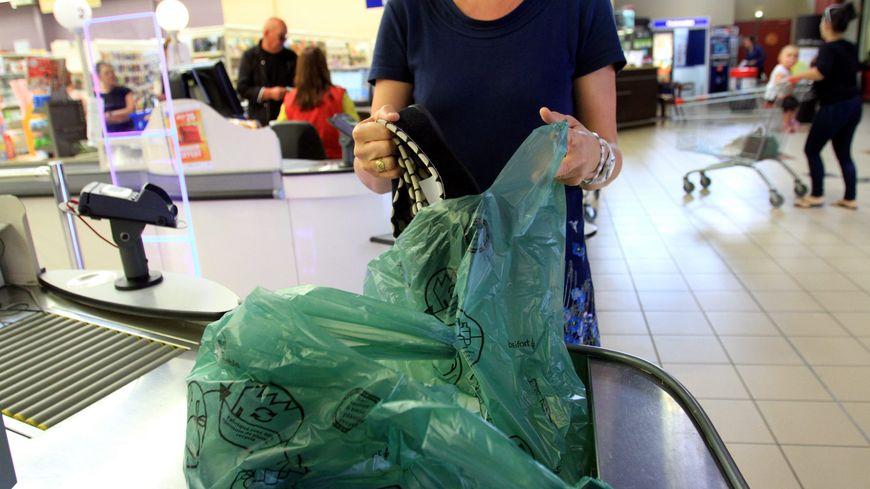 « #agirpourmaplanete » : la Corse met fin aux sacs plastiques dans la grande distribution