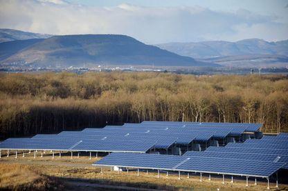 Photo des panneaux de la centrale solaire d'Ungersheim prise le 6 décembre 2012 à Ungersheim, dans l'est de la France.