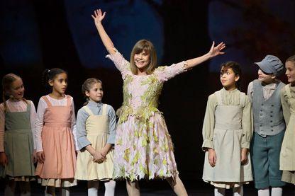 """Chantal Goya, sur scène en 2008 pour son spectacle musical """"Le mystérieux voyage de Marie-Rose"""", au Palais des Congrès de Paris"""