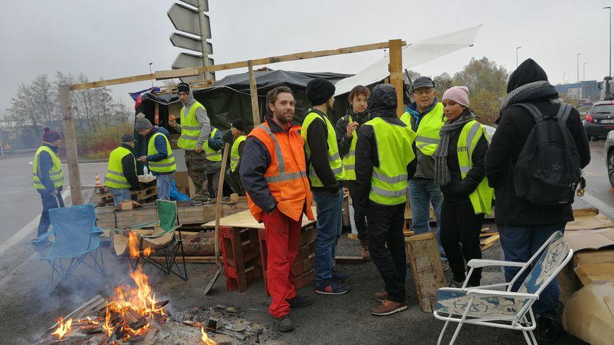"""Les """"Gilets Jaunes"""" toujours mobilisés à Chevigny-Saint-Sauveur"""