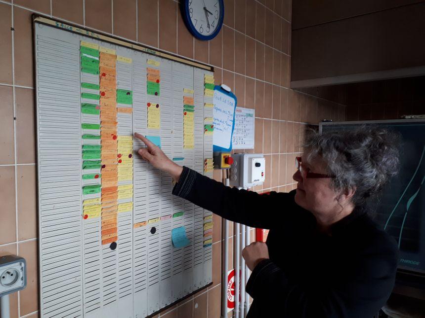 Sandrine Hosotte, directrice de l'établissement explique que chaque résident bénéficie d'un accompagnement personnalisé.