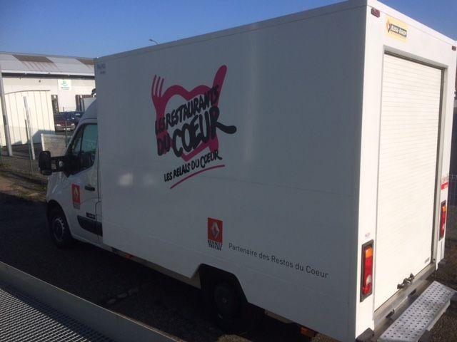 C'est dans des camions comme celui-ci que les produits de 1ère nécessité sont emmenés dans les 19 centres de distribution de Touraine