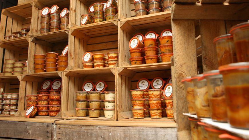 Les plats dans les bocaux en verre coûtent entre 5 et 12 euros.
