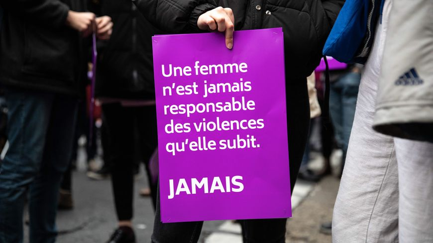 de nombreuses manifestations étaient organisées dans le cadre de la journée internationale contre les violences faites aux femmes