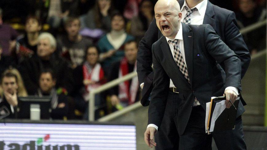Le club de basket limougeaud a officialisé le départ de Kyle Milling, remplacé par son assistant actuel et ancien coach d'Orléans: François Peronnet