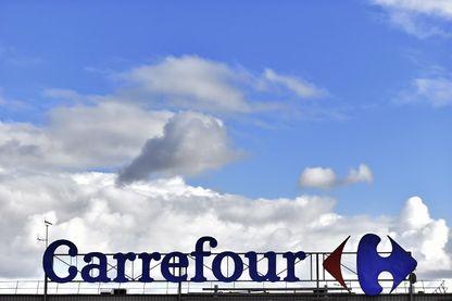 Carrefour qui nous vante les mérites de ces produits à bas prix et bons pour la santé, une pub qui agace Bruno Donnet