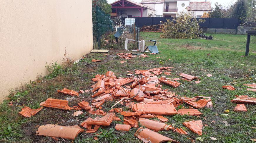 Abris de jardin, trempolines, pieds de parasols, rien n'a résisté à la mini-tornade