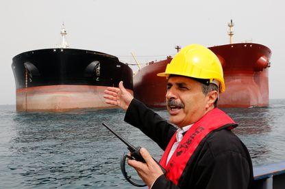 Un tanker sud-coréen vient charger du brut iranien au terminal pétrolier de l'île de Khark, en Iran, en mars 2017.
