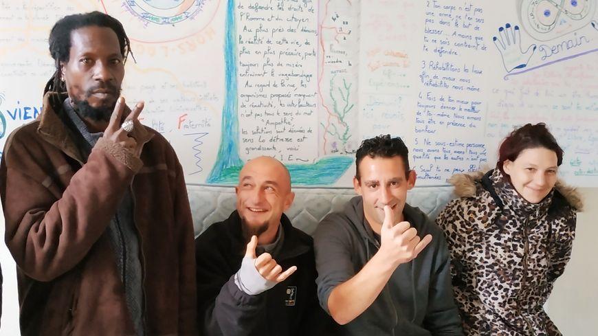 Les membres de l'association AVIE, dont Yannick et Diego (au centre).