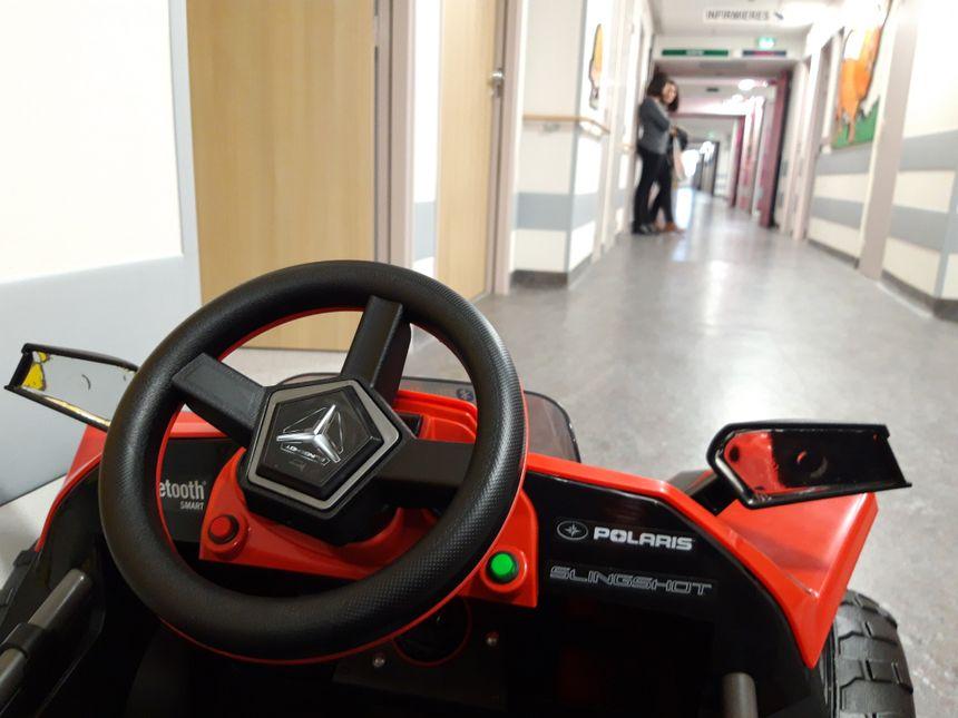 A Noël, deux autres petites voitures électriques vont arriver à l'hôpital de Reims.