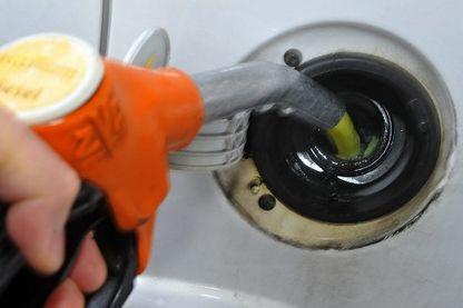 Les automobilistes estiment que les taxes ponctionnent déjà 60 % du prix des carburants