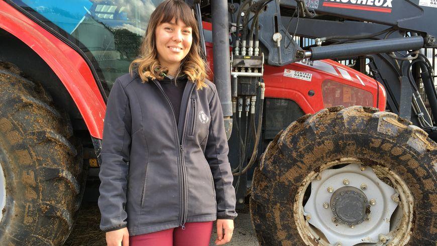 Calendrier Belles Des Pres 2020.Une Agricultrice De Charente Maritime Pose Dans Le