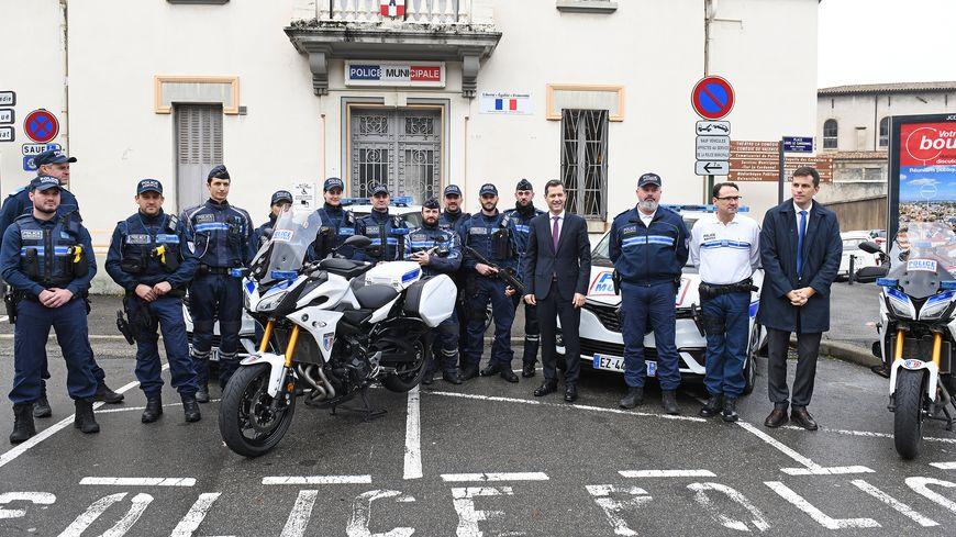 En plus des deux nouveaux véhicules et deux nouvelles motos, la brigade cynéphile aura une nouvelle voiture dans quelques mois.