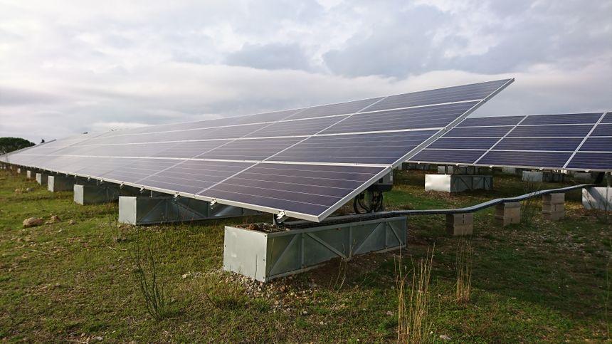 Panneaux solaires d'Aubais