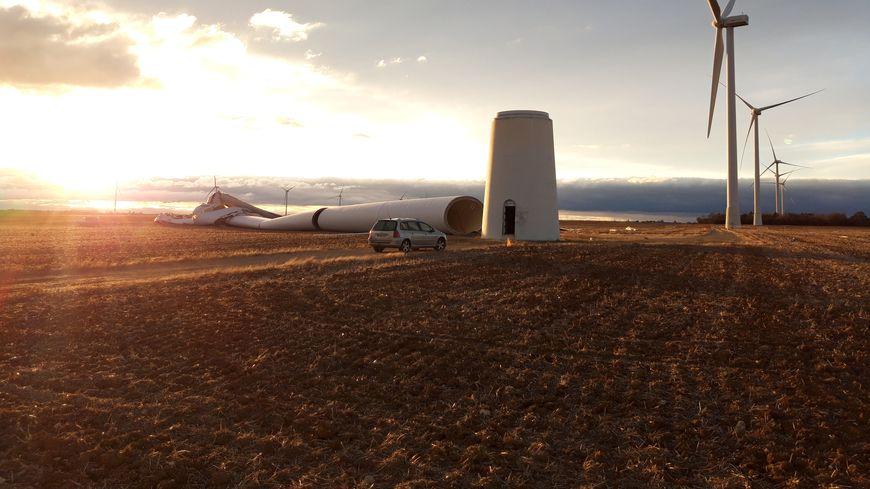 Photo prise dans le Parc d'éoliennes de Guigneville