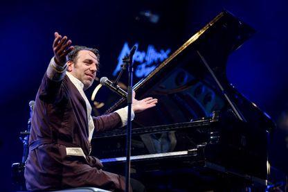 Le pianiste et compositeur canadien Chilly Gonzales, sur la scène d Montreux Jazz Festival (27 juillet 2017, Suisse)