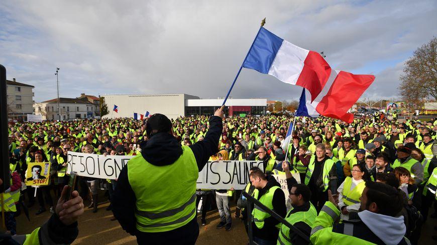 Des gilets jaunes manifestent à Rochefort le samedi 24 novembre