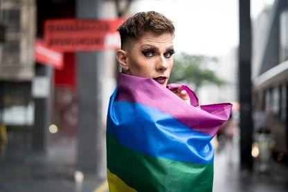 """Retour sur l'histoire du magazine Gay et LGBT """"Têtu"""""""