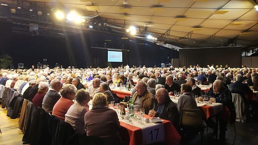 1.100 personnes ont participé au repas des aînés à Laval