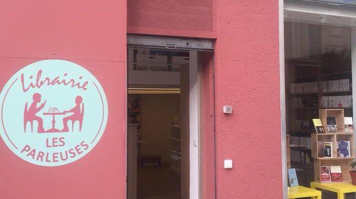 """La devanture de la nouvelle librairie """"Les Parleuses"""" (Rue Defly à Nice)"""