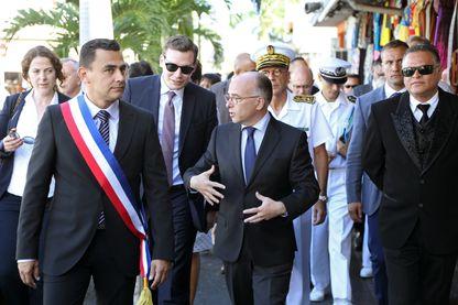 Olivier Hoarau, maire du Port (La Réunion) avec Bernard Cazeneuve en 2014