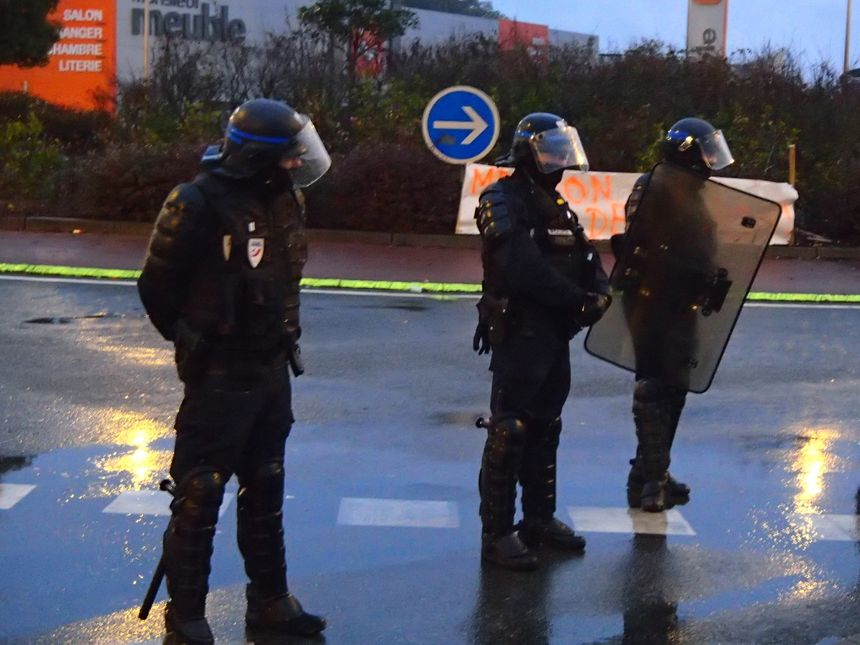 Au total, une trentaine d'agents des forces de l'ordre était mobilisée
