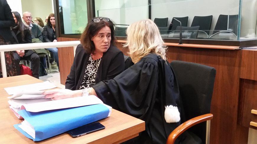L'accusée Rosa Maria Da Cruz et son avocate Me Chrystèle Chassagne-Delpech
