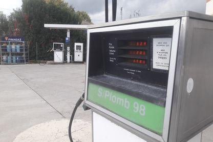 Une station-essence indépendante à Vinon-sur-Verdon (Var)