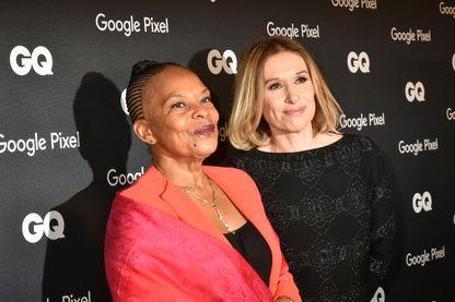 """Christiane Taubira, nommée """"homme politique de l'année"""", par le magazine GQ (avec à sa droite Béline Dolat, rédactrice en chef de QG), 26 novembre 2018."""