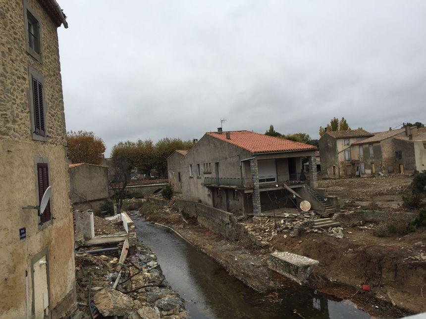 La commune de Villegailhenc (Aude) reste très marquée par les inondations
