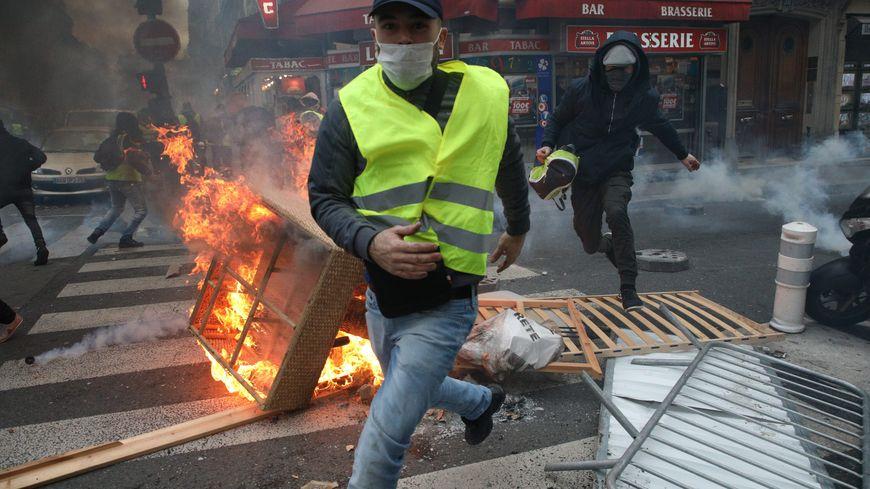 Pendant la manifestation à Paris