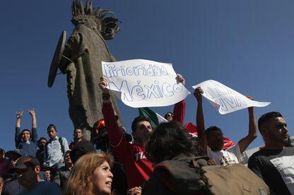 Des manifestants anti-migrants à Tijuana ce week-end