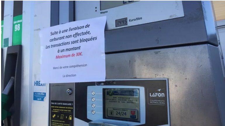 13a75774e794aa Gilets jaunes - Pas plus de 30 euros de carburant dans le Finistère ...